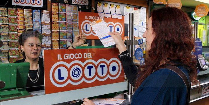 Previsioni Lotto, quanto si può vincere con una giocata da 1 euro